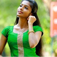 Cute Beauty, Beauty Full Girl, Beauty Women, Beautiful Girl In India, Beautiful Girl Photo, Allu Arjun Hairstyle, Girl Number For Friendship, Indian Girl Bikini, Glamour Photo
