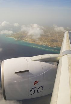 "Martinair Boeing 767-31A(ER) PH-MCL Retro ""Koningin Beatrix"""