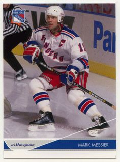 Mark Messier # 61 - 2003-04 ITG Toronto Star Hockey Mark Messier, Stars Hockey, Toronto Star, Nfl Fans, Hockey Cards, Nhl, Christmas Sweaters, Mint, Christmas Jumper Dress