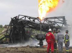 oil rig burned due to blowout, rig fire Oilfield Trash, Oilfield Wife, Oil Rig Jobs, Oil Field, Drilling Rig, Oil Industry, Oil Spill, Heavy Truck, Oil And Gas
