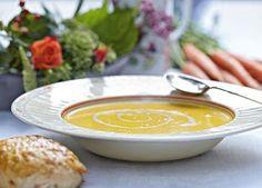 Rodfrugter: Cremet suppe med kokosmælk og gulerødder, der virker både asiatisk og nordisk.