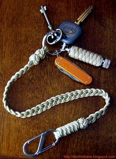 I share photos of my hobby with decorative and useful knot work, with paracord and other sizes/types of cordage and accessories. Paracord Knots, Paracord Keychain, 550 Paracord, Paracord Bracelets, Lanyard Knot, Leather Lanyard, Leather Cord, Paracord Projects, Paracord Ideas