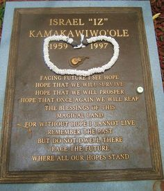 "Israel ""Iz"" Kamakawiwo'ole (1959 - 1997) - Find A Grave Photos"