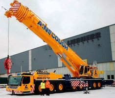 UK crane rental company Ainscough Crane Hire is to take delivery of two 450 tonne Liebherr LTM All Terrain cranes - one arriving this month and one in May - to be added to its heavy crane division. Telescopic Crane, Engin, Heavy Machinery, Heavy Equipment, Big Trucks, Military Vehicles, Airplane Mode, Industrial, Construction