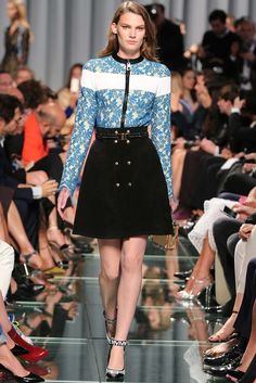 Louis Vuitton Resort 2015 Fashion Show - Lena Hardt