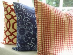 ideas for left over fabric! Cant have enough pillows.