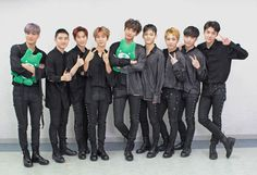 Find images and videos about kpop, exo and baekhyun on We Heart It - the app to get lost in what you love. Kai, Kris Wu, K Pop, Exo Group Photo, Kdrama, Chanyeol Baekhyun, Exo Chanbaek, Exo Chen, Park Chanyeol