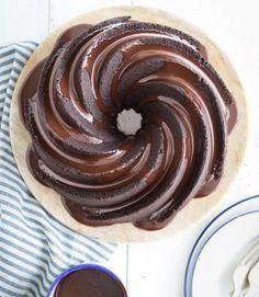 Soured-cream-chocolate-bundt-cake