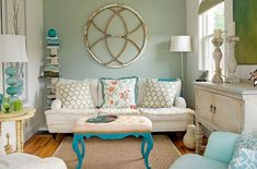 Vintage Decor Rustic I love the look of shabby chic home décor as seen in this photo. I love vintage, rustic and modern shabby chic decorative accents as they make a home beautiful. Cute Living Room, Small Living Room Design, Eclectic Living Room, Shabby Chic Living Room, Shabby Chic Homes, Shabby Chic Decor, Living Room Designs, Living Room Decor, Living Rooms