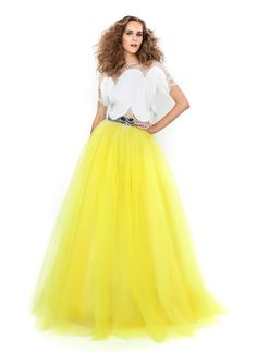 Welcome to the world of Costarellos. Discover the latest Ready To Wear and Bridal Collections designed by Christos Costarellos. Yellow Fashion, Colorful Fashion, Christos Costarellos, Romantic Girl, Country Wedding Dresses, Fabulous Dresses, Bridal Collection, Bellisima, Ready To Wear