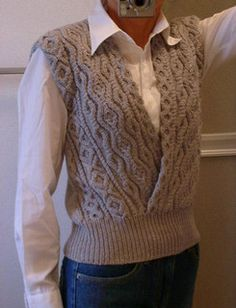 knit vest Ravelry: Aran Vest () pattern by Keiko Okamoto () Knitting Yarn Diy, Aran Knitting Patterns, Knit Vest Pattern, Knitting Designs, Knit Patterns, Hand Knitting, Knitting Projects, Knitting Needles, Sweater Design