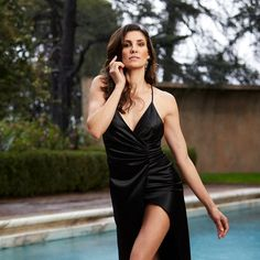 Daniela Ruah sexy cleavage for CBS Watch! Daniela Ruah Eye, Daniela Ruah Bikini, Ncis Los Angeles, Kensi Blye, Poses, Beautiful Celebrities, White Girls, Girl Pictures, Celebrity Photos