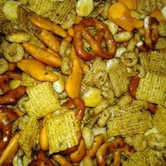 Party Snacks For Adults Girl Night Finger Foods Ideas Snack Mix Recipes, Great Recipes, Cooking Recipes, Favorite Recipes, Holiday Recipes, Kids Snack Mix, Party Snacks, Night Snacks, Kid Friendly Meals
