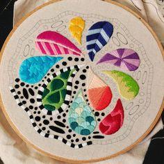 "7 Me gusta, 1 comentarios - Sew Jenaissance (@sewjenaissance) en Instagram: ""Still making dots! #embroidery #stitching #doodleembroidery #doodles #zentangle #bordado #handmade"""