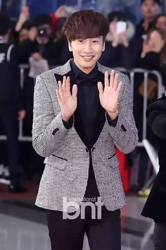 Lee Kwang Soo at 2015 SBS Entertainment Awards