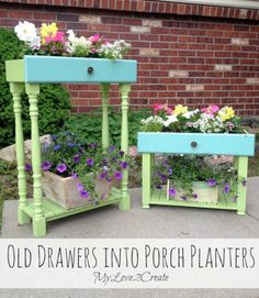 Today I am sharing a repurposed project, old drawers into porch planters. I have seen drawers used for planters several times and l… - All About Gardens Dog Crate Table, Dog Crate Furniture, Refurbished Furniture, Repurposed Furniture, Garden Furniture, Furniture Ideas, Furniture Refinishing, Furniture Redo, Repurposed Wood