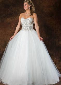 Trouwjurk Romantisch A-Lijn ALL4652 met een zilveren top met mooie sweetheart décolleté. Tulen rok met sleepje en rijglint op de rug. Formal Dresses, Wedding Dresses, Fashion, Tulle, Dresses For Formal, Bridal Dresses, Moda, Bridal Gowns, Wedding Dressses