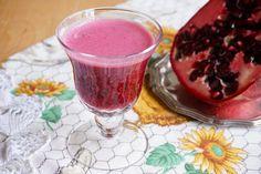Il succo di melagrana Bimby o succo di melograno fatto in casa è un nettare prelibato che si ottiene dai chicchi della melagrana. Ricco di antiossidanti