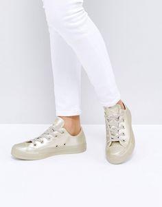 dcffc92011 Converse Chuck Taylor All Star Metallic Leather Sneakers In Gold Cuero  Dorado