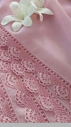 Needle Lace, Lace Making, Needlework, How To Make, Linen Tablecloth, Crochet Stitches, Dish Towels, Towels, Crochet Shawl