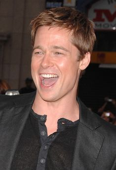 That haircut every boy had in the mid-2000s. | A Comprehensive History Of Brad Pitt's Hair