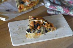 Si quieres comer la mejor pizza vegana del mundo, tienes que preparar esta receta. Te enseñamos a preparar unas pizzas con no-queso cremoso a partir de...