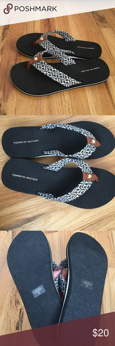 Tommy Hilfiger flip flops Black Tommy Hilfiger flip flops very comfortable. Worn once for an hour. Perfect new condition Tommy Hilfiger Shoes Sandals