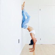 | One of my favorite pose | L'ouverture du coeur, la force dans les épaules et l'activation des glandes surrénales #monamieandréanne