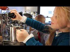 5 year olds making lattes Lavazza Coffee Machine, Coffee Making Machine, Coffee Machines, Roasting Company, Top With Cinnamon, Best Espresso Machine, Popular Drinks, Best Coffee Maker