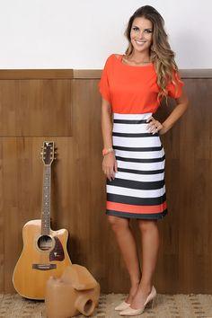 Vestido Macedonia - Cassia Segeti - Moda Evangélica e Roupa Evangélica: Bela… Only Fashion, Work Fashion, Urban Fashion, Fashion Looks, Fashion Outfits, Jw Mode, Dressy Dresses, Look Chic, Pinterest Fashion