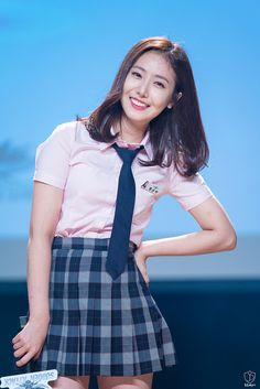 Kpop Girl Groups, Kpop Girls, Sinb Gfriend, Role Player, G Friend, Beautiful Asian Girls, Pose Reference, Luhan, Brow