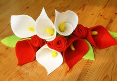 Felt calla lily and rose bouquetPDF Pattern and by OneHourCrafts, $4.99