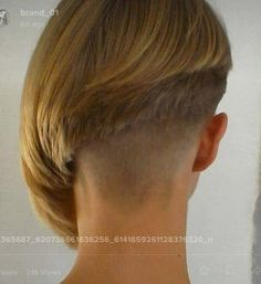 Alles was Spaß macht What Currently Defines African American Culture? Short Hair Cuts For Women Edgy, Short Sassy Haircuts, Girl Haircuts, Short Hairstyles For Women, Short Hair Styles, Shaved Bob, Half Shaved Hair, Shaved Nape, Stacked Bob Hairstyles