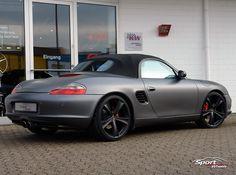 """Auto Tuning Galerie Porsche Boxster - Porsche Boxster S 986 - Matt Grey - Alufelgen: Etabeta Tettsut Black - VA 8.0 x 20"""" mit 235/30/20 HA 10.0 x 20"""" mit 285/25/20 Sonstiges: Komplettfolierung von Schwarz auf Mattgrau - Bild ID 7547"""
