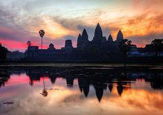 """#angkor #angkorwat #siemreap #cambodia #indochina #sunrise #colours #bhudist #empire #khmer #phnompenh #beyon #taphrom #reflection #bestpic #culture #art…"""