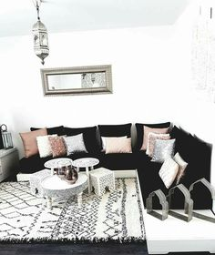 Moroccan decor Office - More decor, more color! - Moroccan decor Office – More decor, more color! Moroccan Decor Living Room, Moroccan Room, Living Room Modern, Living Room Designs, Living Room Decor, Modern Moroccan Decor, Design Marocain, Red Home Decor, Home Decoration
