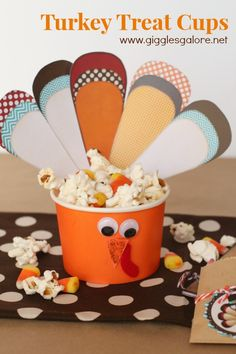 A great idea for the kids to have while watching Thanksgiving Day football: Turkey Treat Cups. #diy #recipe