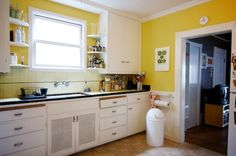 The Best Paint Finish for Kitchen Walls – Use a satin or semi-gloss paint, which are easier to wipe down.