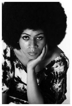 """Minnie Riperton (November 1947 – July was an American singer-songwriter best known for her 1975 single """"Lovin' You."""" Minnie Julia Riperton was born in Chicago, Illinois. Minnie Riperton, Celebrity Deaths, Today In History, Aretha Franklin, Indie Music, American Singers, American History, Afro Hairstyles, Black Is Beautiful"""