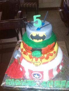 Torta infantil advengers