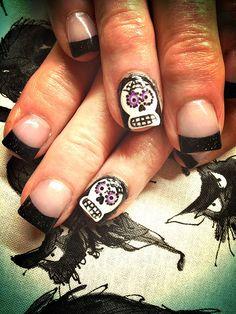 Halloween Nail Art #skeleton #halloween #nails