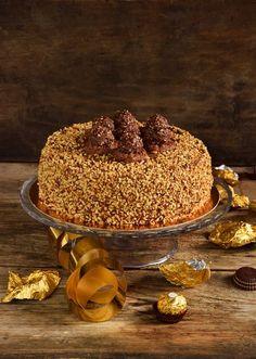 Torta Ferrero Rocher…per non farsi mancare nulla! Torta Ferrero Rocher, Healthy Cheesecake, Torte Cake, Chiffon Cake, Mini Desserts, Tostadas, Creative Food, Chocolate Recipes, No Bake Cake