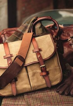 """Vintage Stuff Polo Ralph Lauren: """"Inspired by vintage men's sporting holdalls, the handcrafted bags seen here are made from burnished saddle leather and durable twill, trimmed with leather and antique brass hardware"""" Mens Travel Bag, Travel Bags, Saddle Leather, Leather Backpack, Men's Leather, Laptop Backpack, Canvas Leather, Vintage Bags, Vintage Men"""