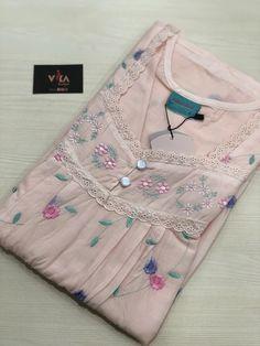 Silk Saree Banarasi, Mysore Silk Saree, Silk Cotton Sarees, Bandhani Dress, Kalamkari Dresses, Dress Neck Designs, Designs For Dresses, Sleeve Designs, Cotton Nighties
