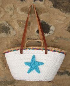 Capazo blanco con puntilla tonos azules y estrella azul claro asa de cuero de 70 cm