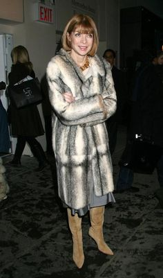 Anna Wintour - You would never see Anna Wintour in faux fur! Cane Corso, Sphynx, Chinchilla, Peta, Pitbull, Anna Wintor, Anna Wintour Style, Fabulous Furs, Iconic Women