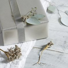 Sparkle Berry Present Ties - Set of 3 | The White Company