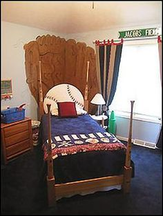 How to Build and Install a Baseball Bat Headboard : Archive : Home & Garden Television. Painted Baseball Mitt on the wall and baseball headboard with bat bed posts. Baseball Bat Headboard, Boys Baseball Bedroom, Diy Lit, Baseball Crafts, Baseball Stuff, Baseball Mom, Base Ball, New Room, Bed Design