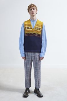 See the complete Joseph Fall 2017 Menswear collection.