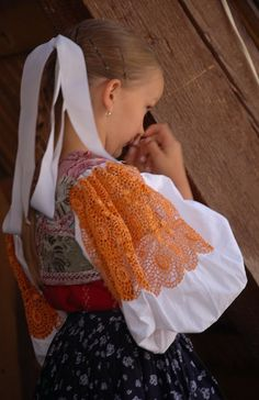 Hrinova, Slovensko Heart Of Europe, Hand Painted Furniture, Costumes, Embroidery, Country, People, Recipes, Dresses, Fashion